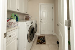 A7300478-laundry-uncr